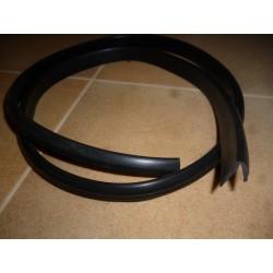 2 Joints enjoliveurs placés  de chaque cote de la lunette ar Murena ts mod